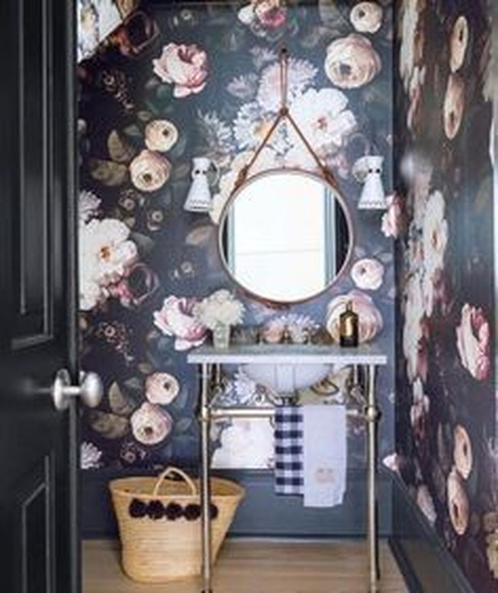 Inspiring Black Powder Room Design Ideas With Modern Style 12