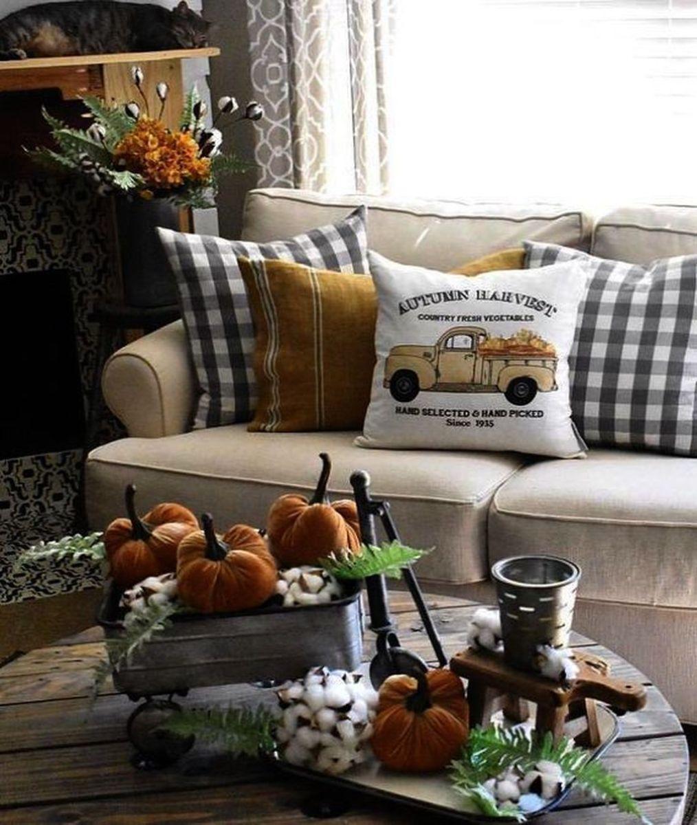 Inspiring Fall Living Room Decor Ideas On A Budget 07