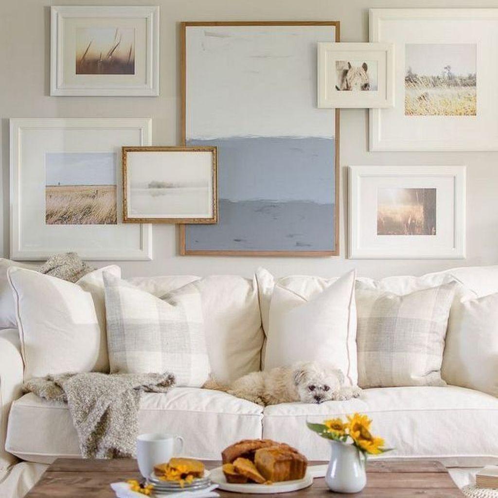 Inspiring Fall Living Room Decor Ideas On A Budget 24