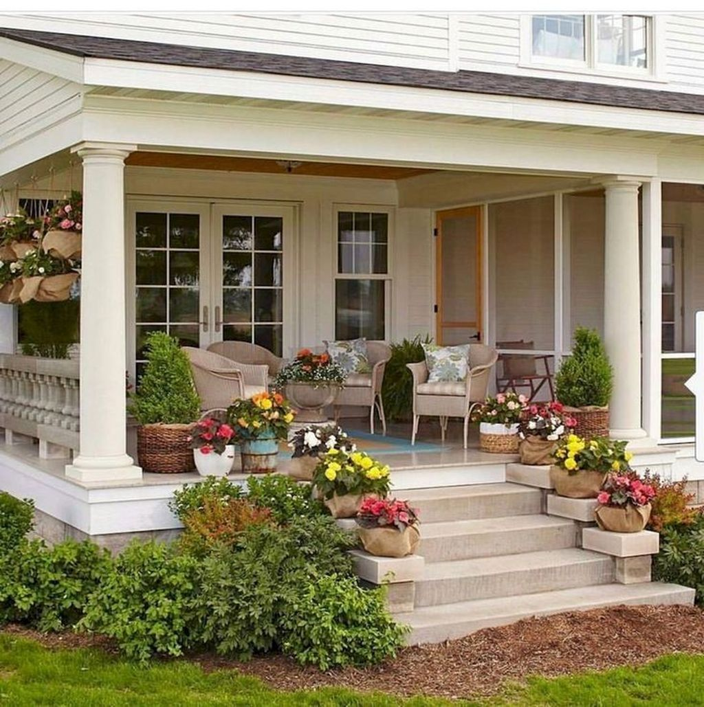 Inspiring Farmhouse Front Porch Decor Ideas 27