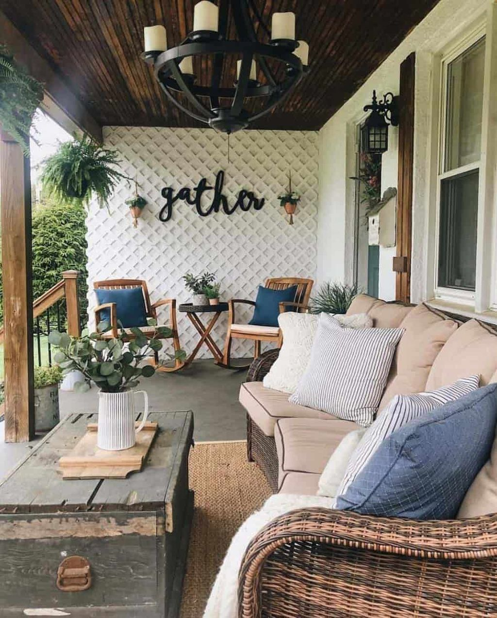 Inspiring Farmhouse Front Porch Decor Ideas 28