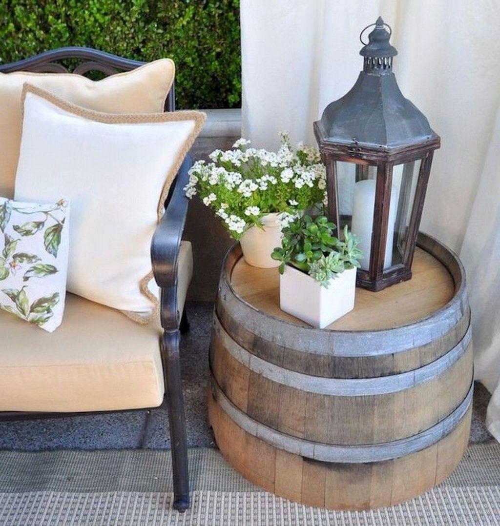 Inspiring Farmhouse Front Porch Decor Ideas 33
