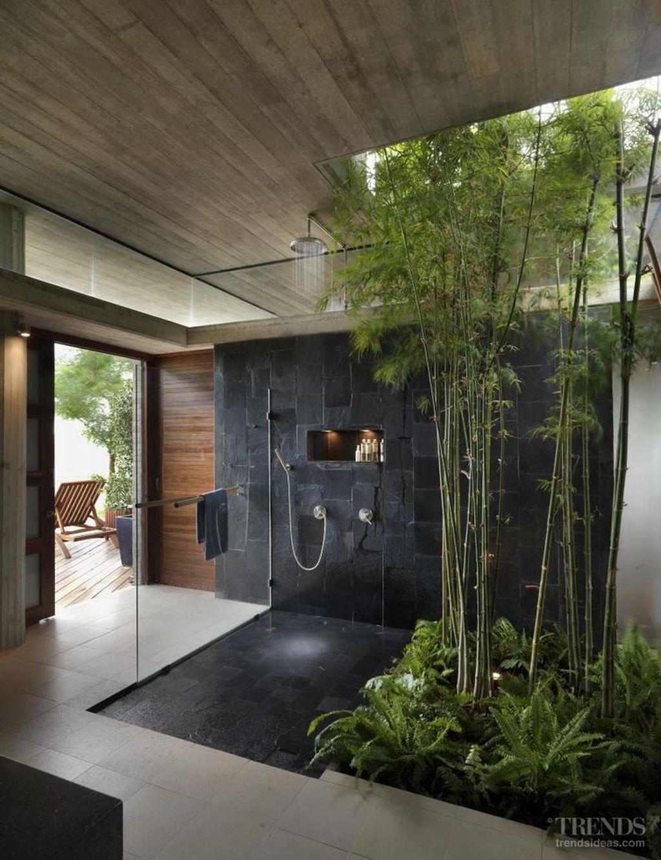 Inspiring Jungle Bathroom Decor Ideas 10