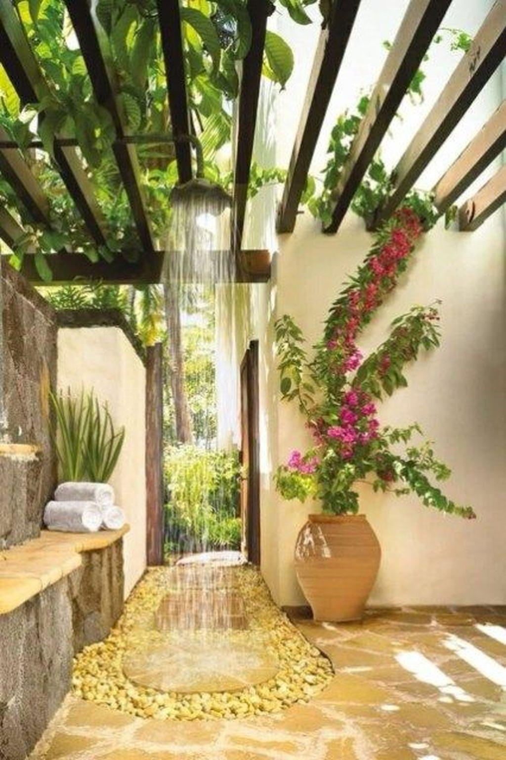 Inspiring Jungle Bathroom Decor Ideas 28