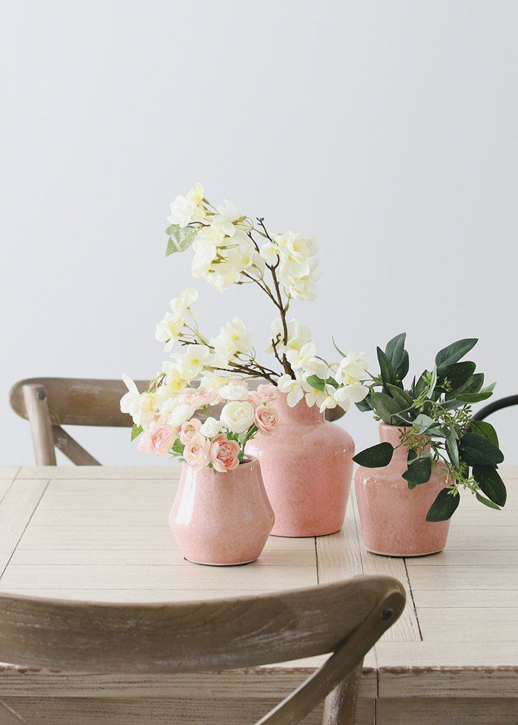 Lovely Bud Vase Centerpiece Decor Ideas For Your Dining Table 17