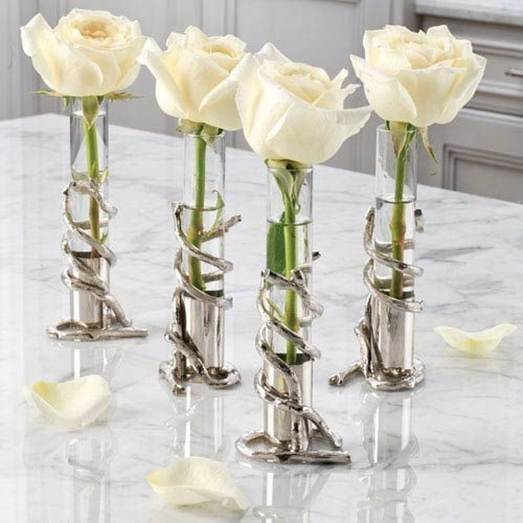 Lovely Bud Vase Centerpiece Decor Ideas For Your Dining Table 18