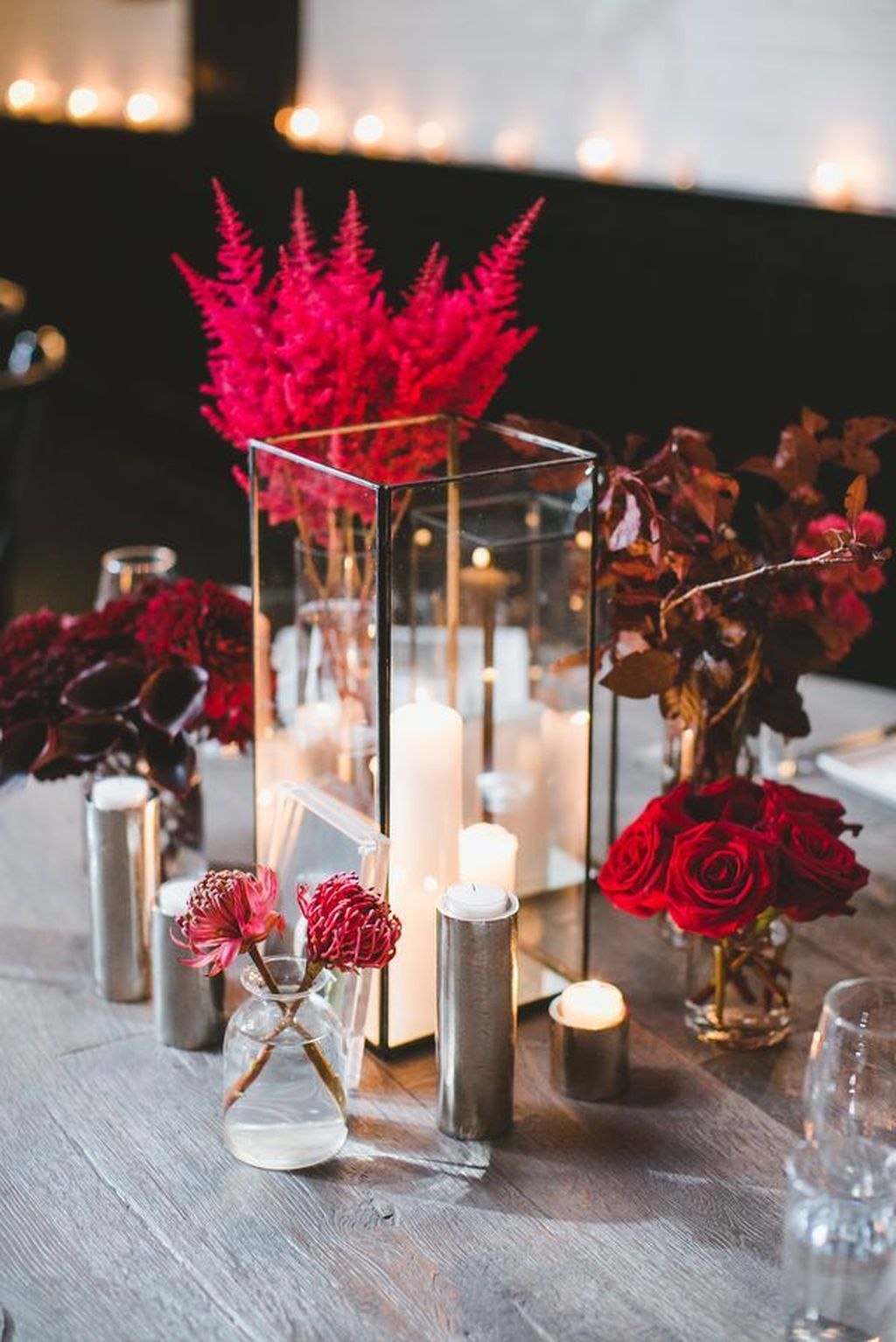Lovely Bud Vase Centerpiece Decor Ideas For Your Dining Table 23