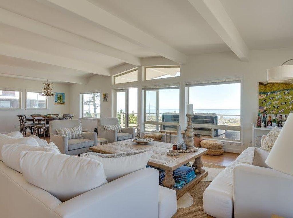Lovely Capde Cod Living Room Design Ideas 21