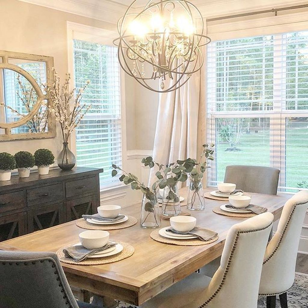 Lovely Family Dining Room Design And Decor Ideas 21