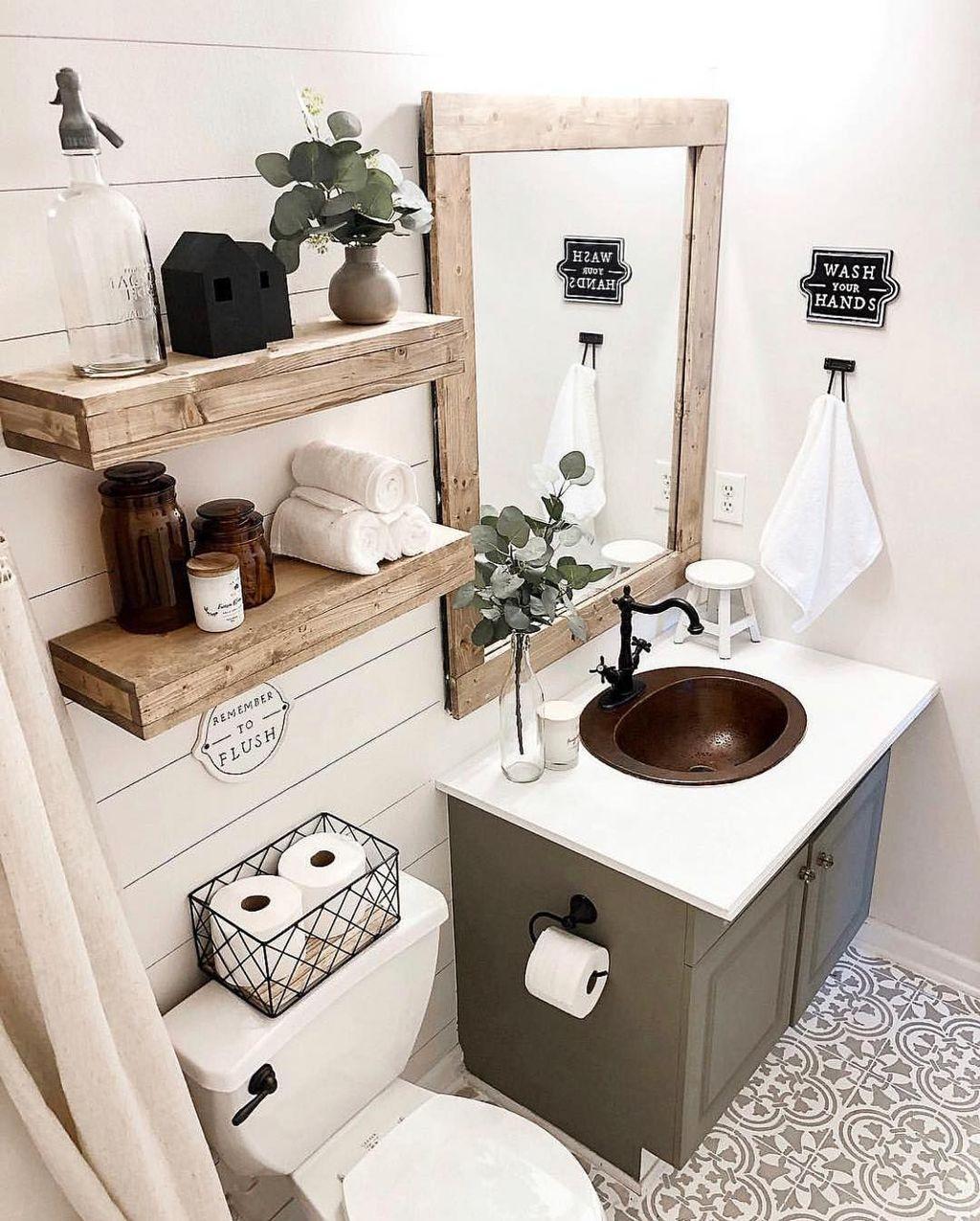 Lovely Farmhouse Bathroom Design Ideas 15