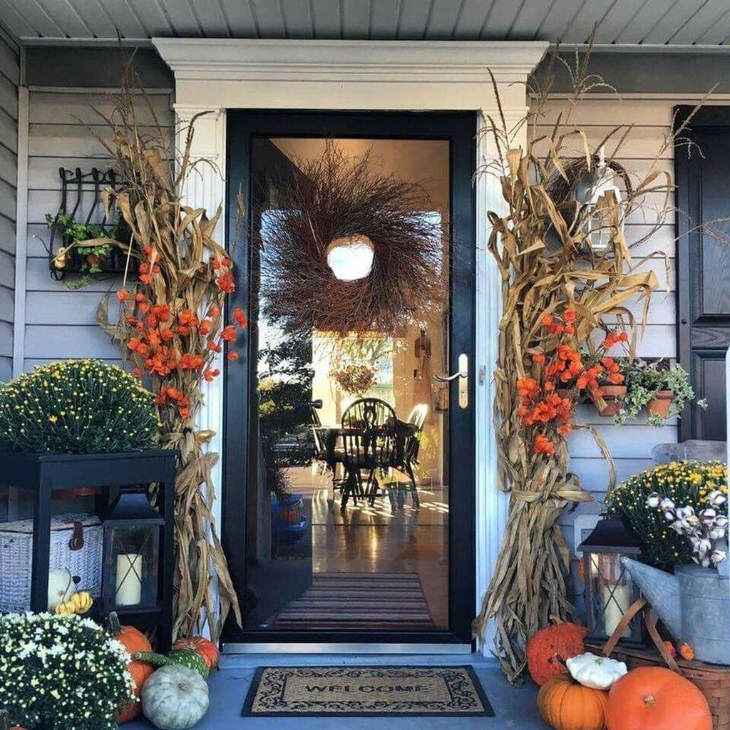 Lovely Outdoor Fall Theme Porch Decor Ideas 25