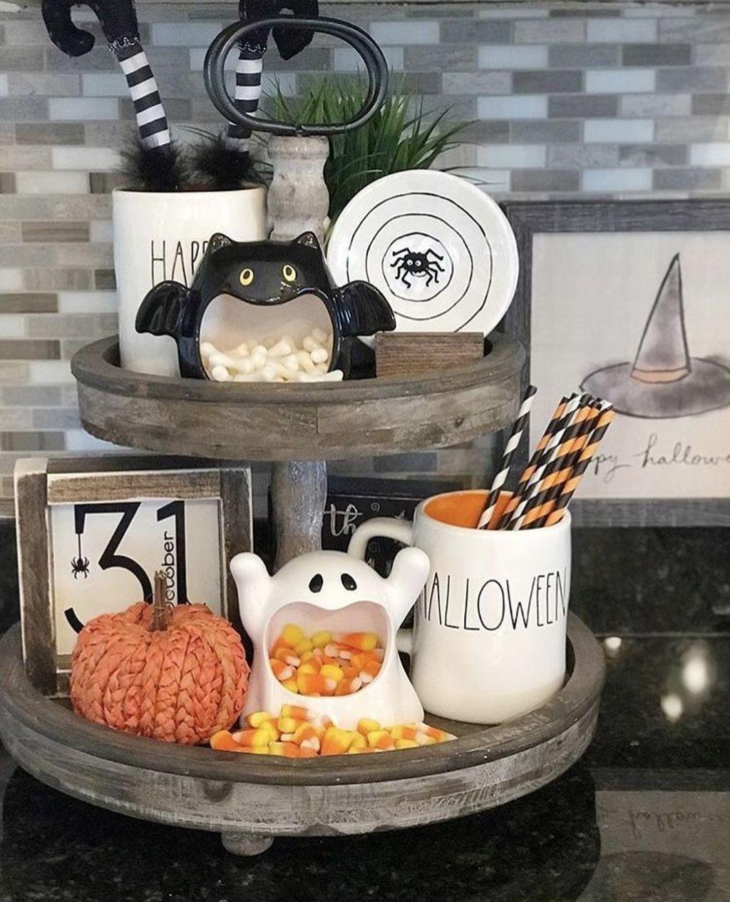 Stunning DIY Halloween Decorations Ideas 23