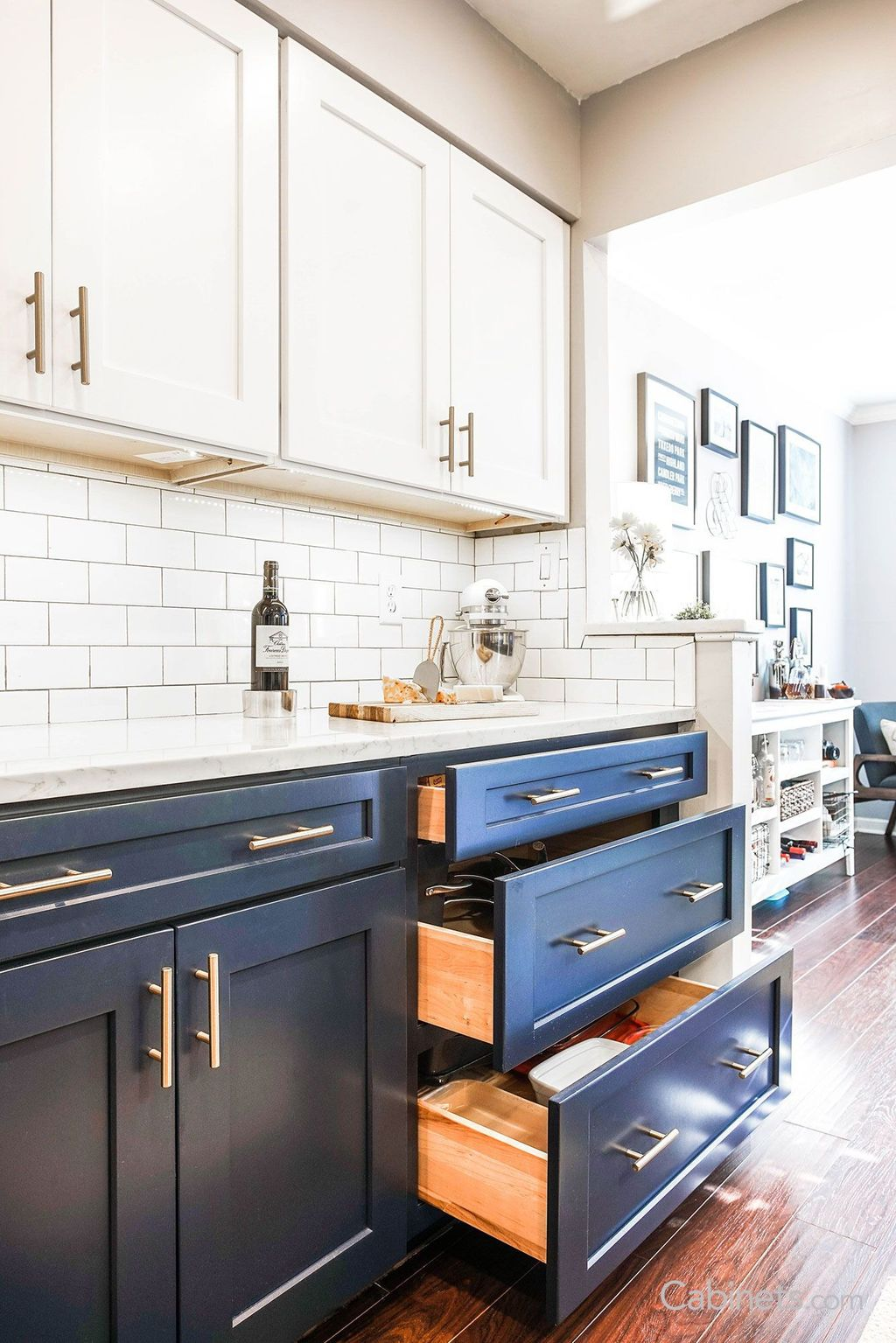 Stunning Navy Kitchen Cabinets Ideas You Have Must See 01