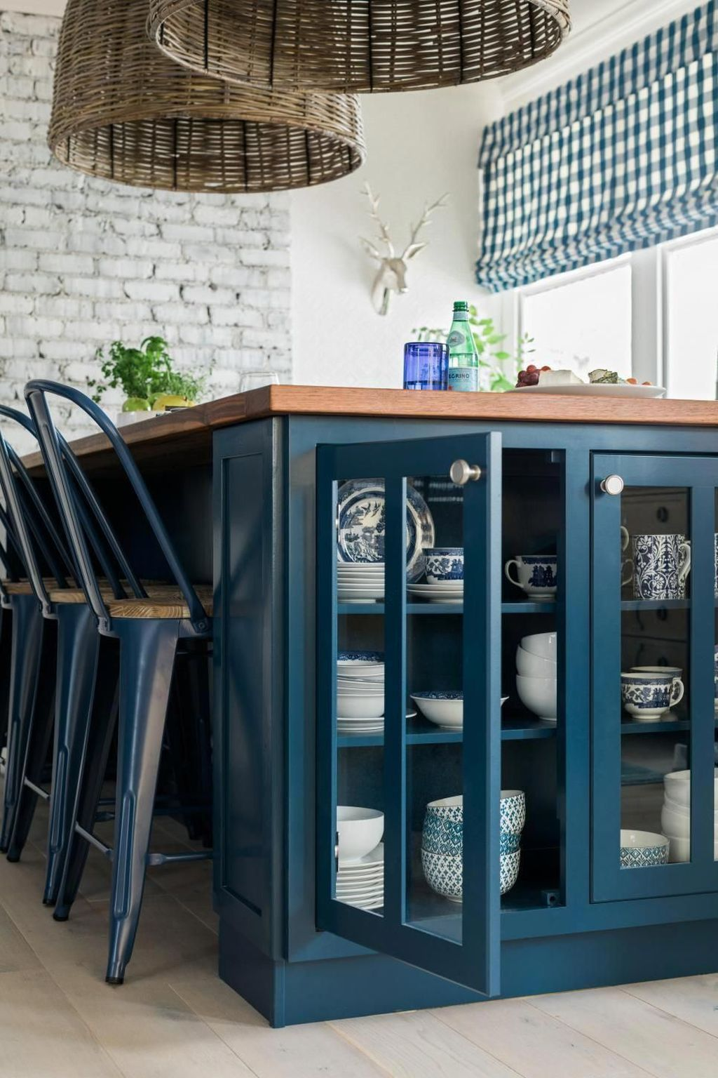 Stunning Navy Kitchen Cabinets Ideas You Have Must See 23