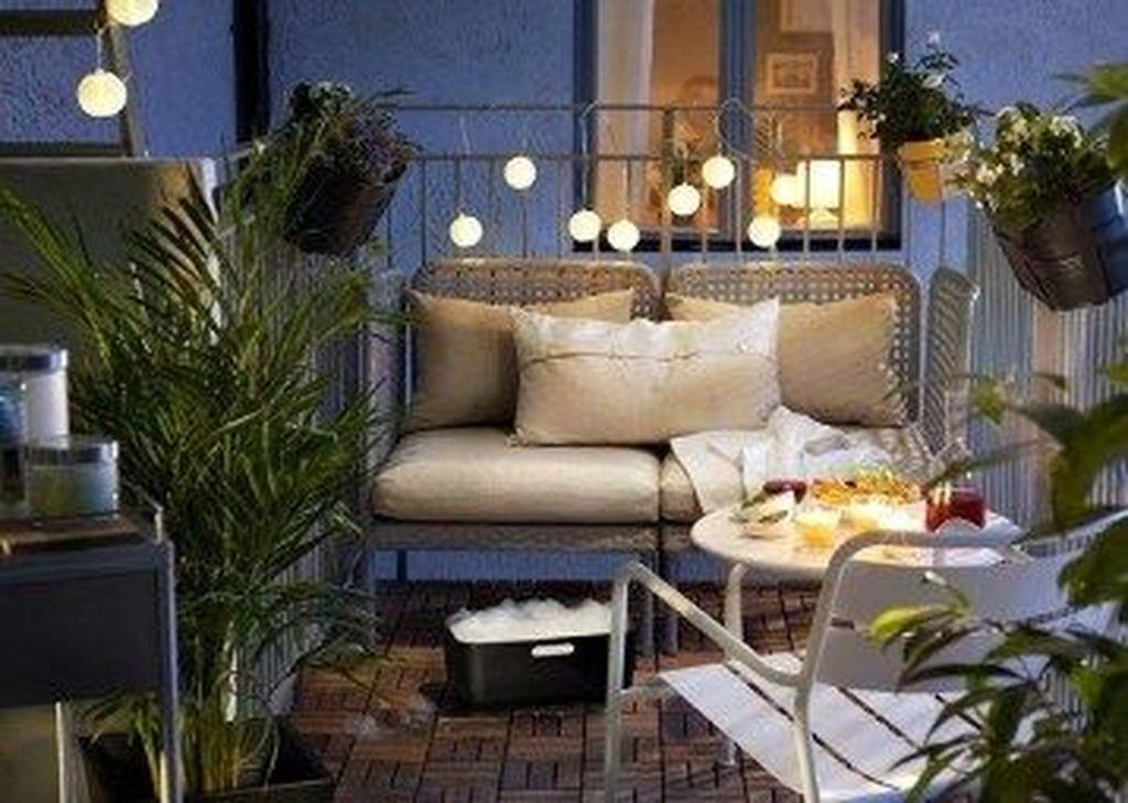 The Best Apartment Balcony Decor Ideas For Fall Season 10