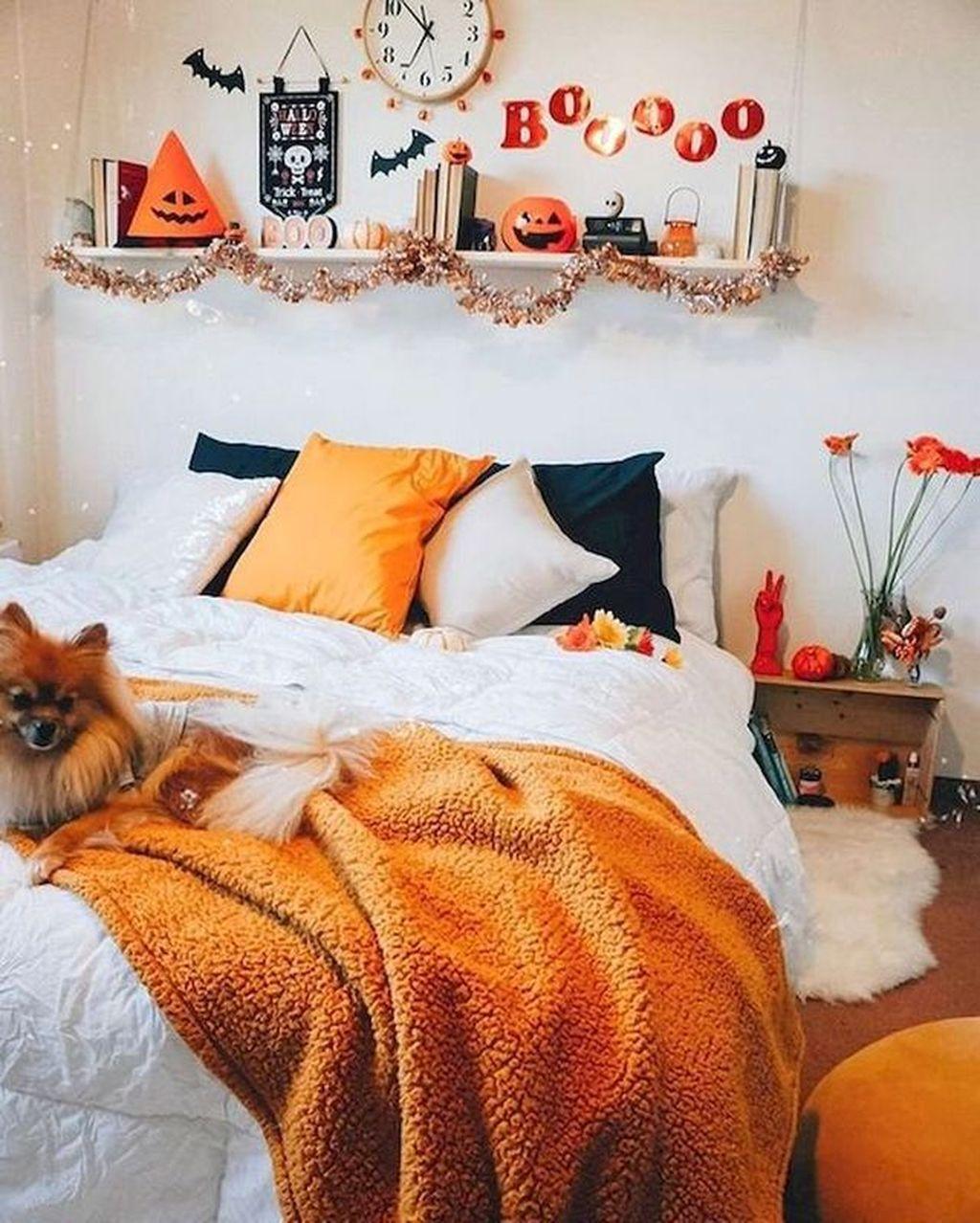 Amazing Bedroom Decoration Ideas With Halloween Theme 13