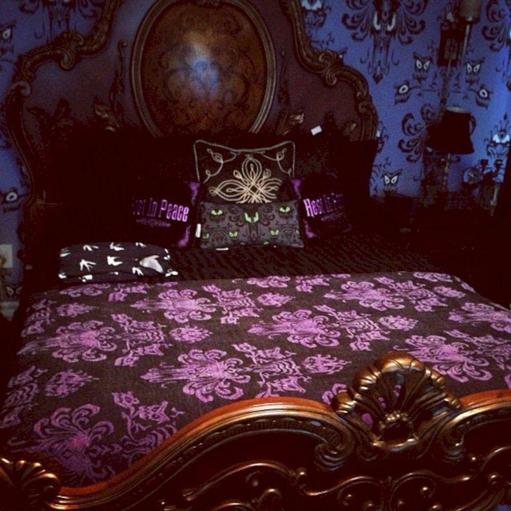 Amazing Bedroom Decoration Ideas With Halloween Theme 20