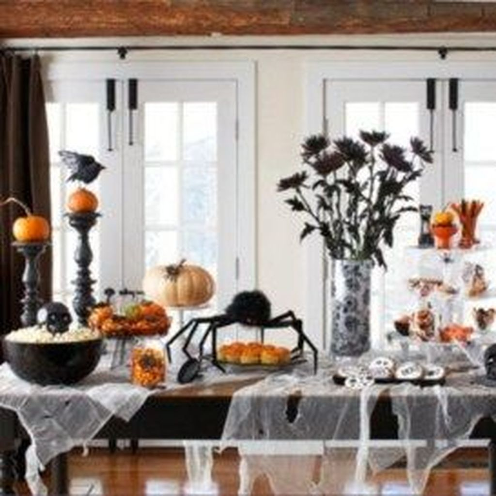 Fabulous Halloween Theme Dining Table Decor Ideas 06