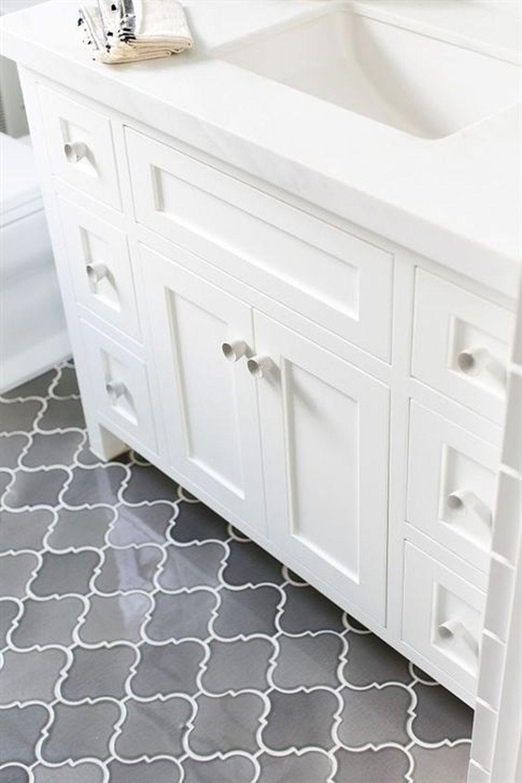 Inspiring Bathroom Tile Ideas 17