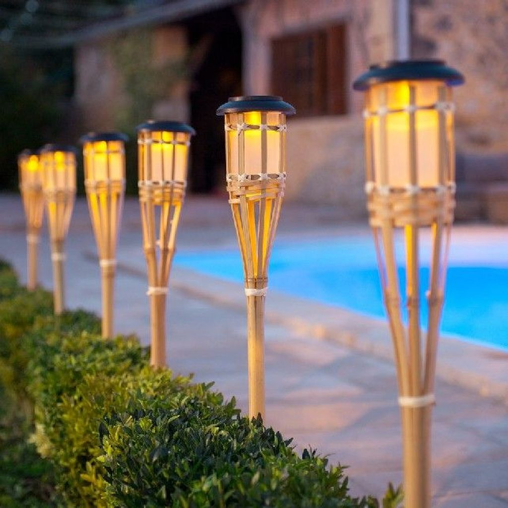 Inspiring Garden Lamps Ideas For Outdoors Decor 32