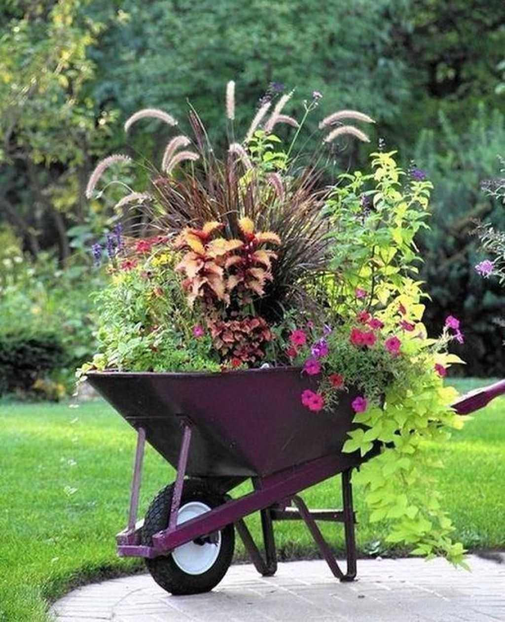 Stunning Garden Decoration Ideas 02