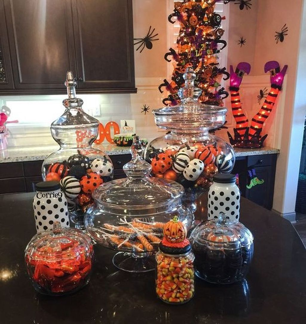 Stunning Halloween Living Room Decor Ideas Looks Scary 11