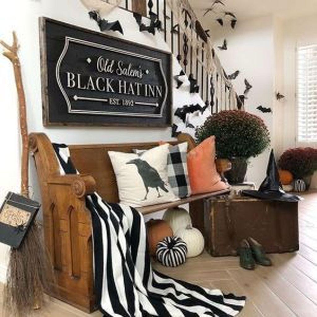 Stunning Halloween Living Room Decor Ideas Looks Scary 18