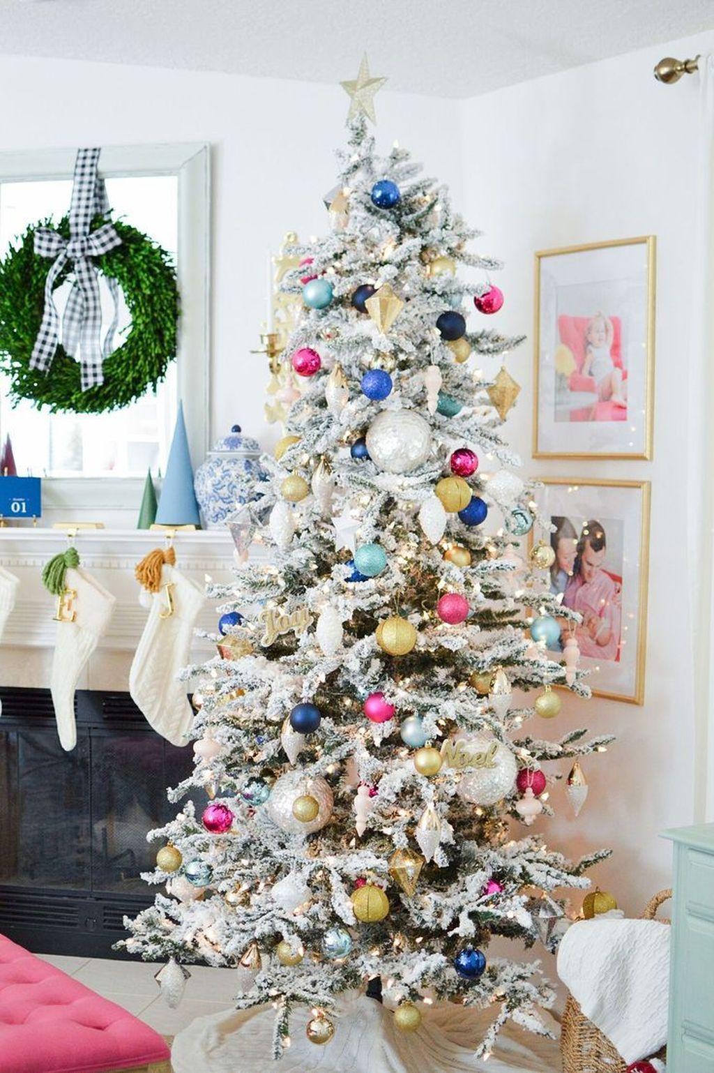 Amazing Winter Christmas Tree Design And Decor Ideas 06