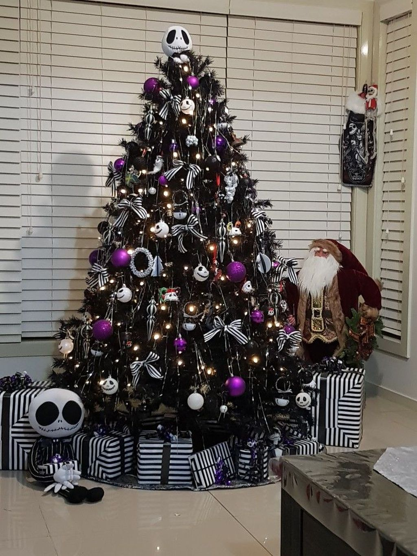 Amazing Winter Christmas Tree Design And Decor Ideas 13