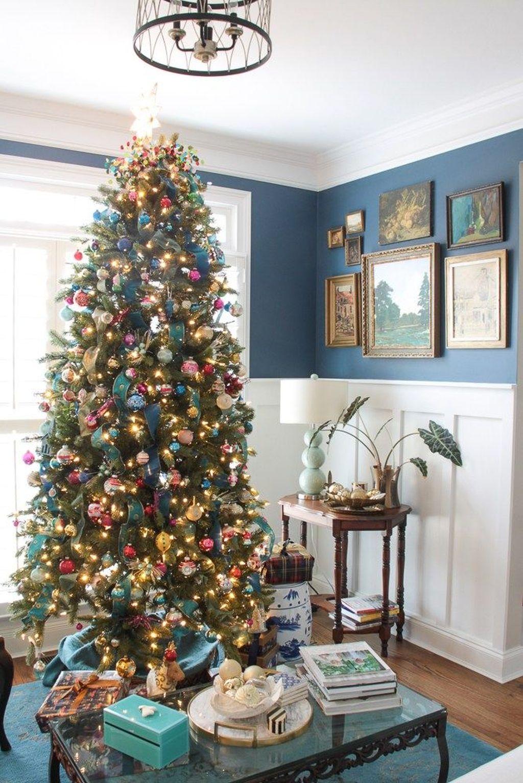 Amazing Winter Christmas Tree Design And Decor Ideas 33