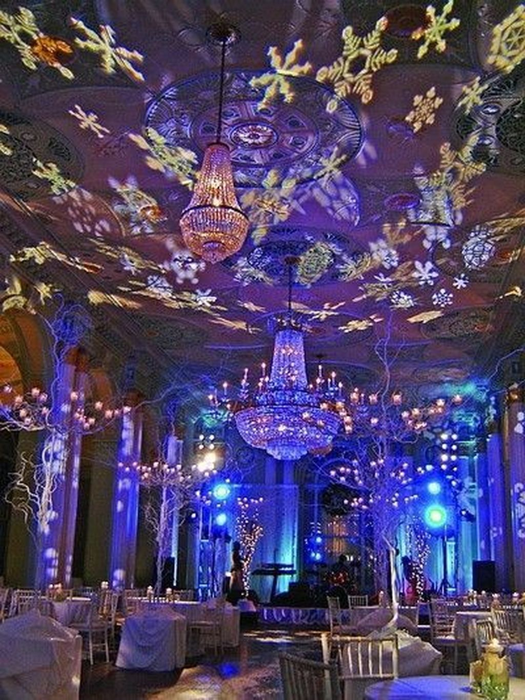 Awesome Winter Wonderland Party Decorations Ideas 08