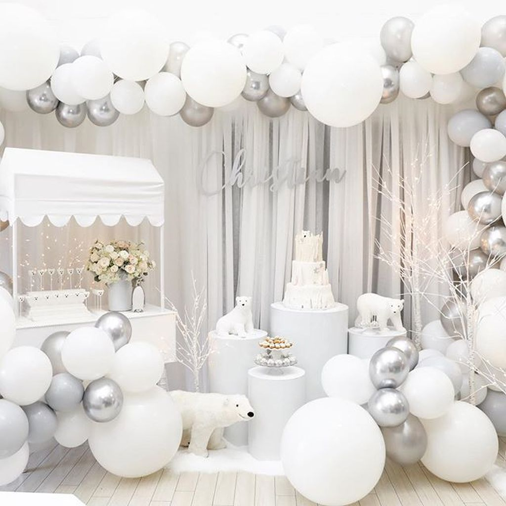 Awesome Winter Wonderland Party Decorations Ideas 22