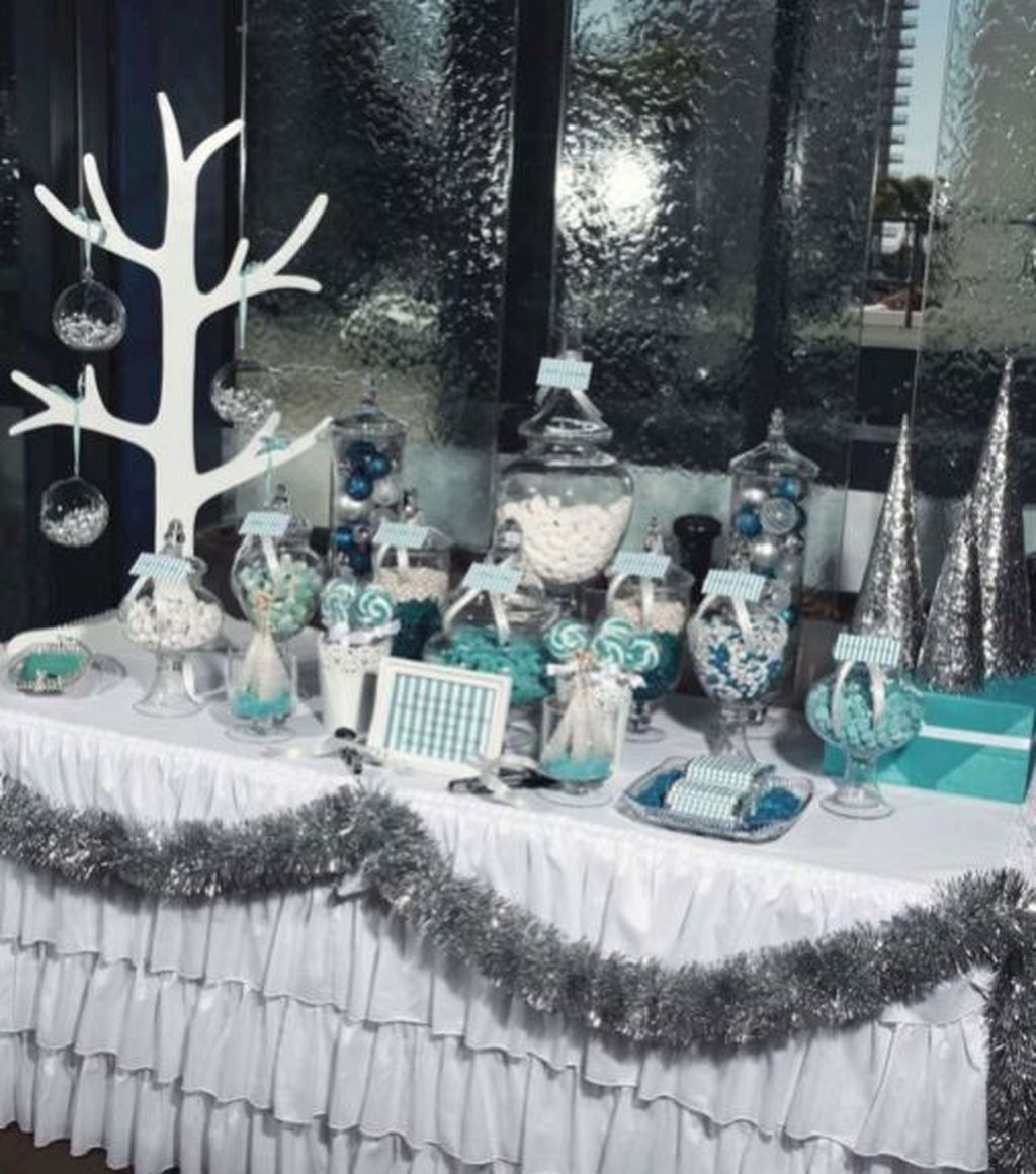 Awesome Winter Wonderland Party Decorations Ideas 27