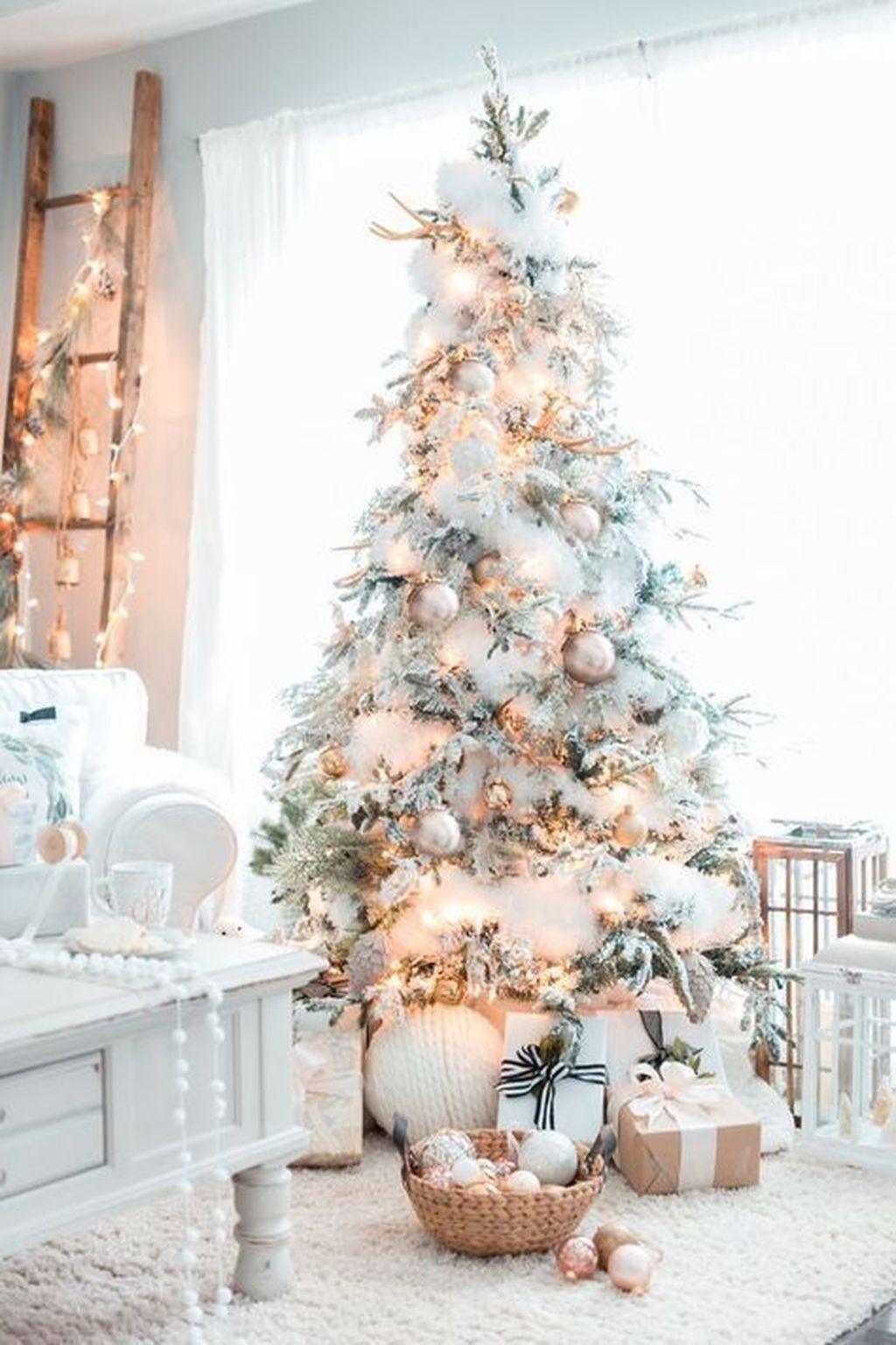 Beautiful Christmas Tree Decorations Ideas 11