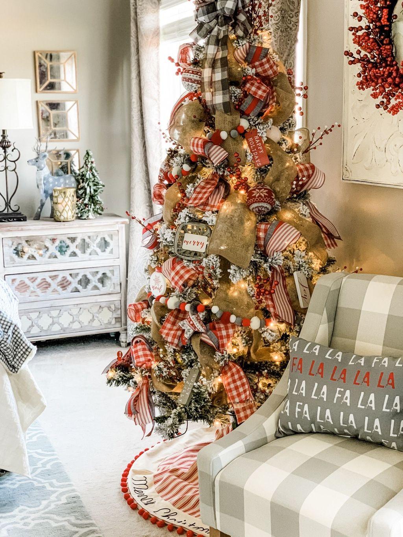 Beautiful Christmas Tree Decorations Ideas 15