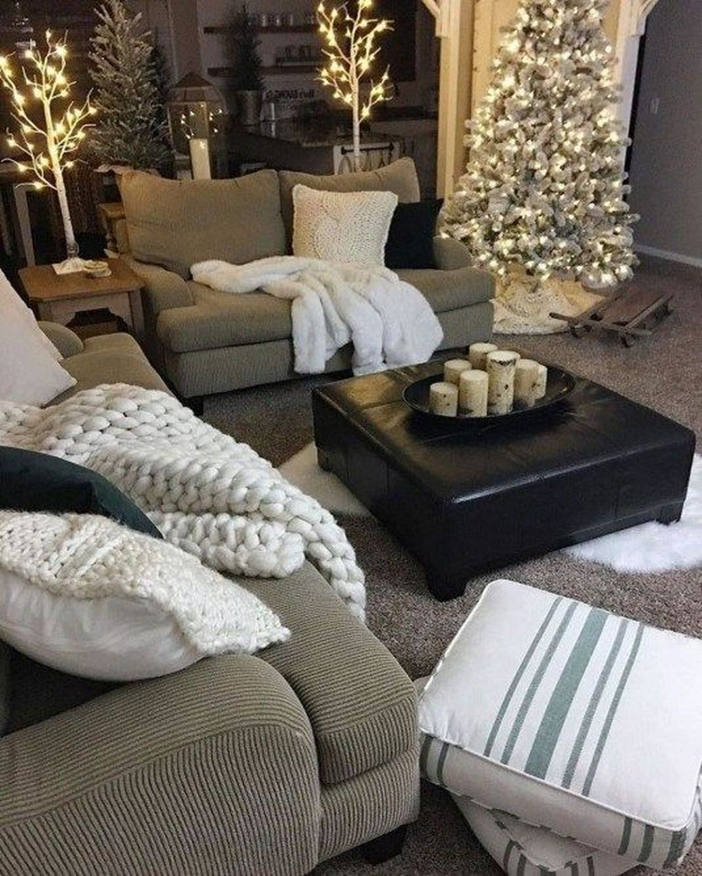 Fabulous Winter Living Room Decor Ideas 05