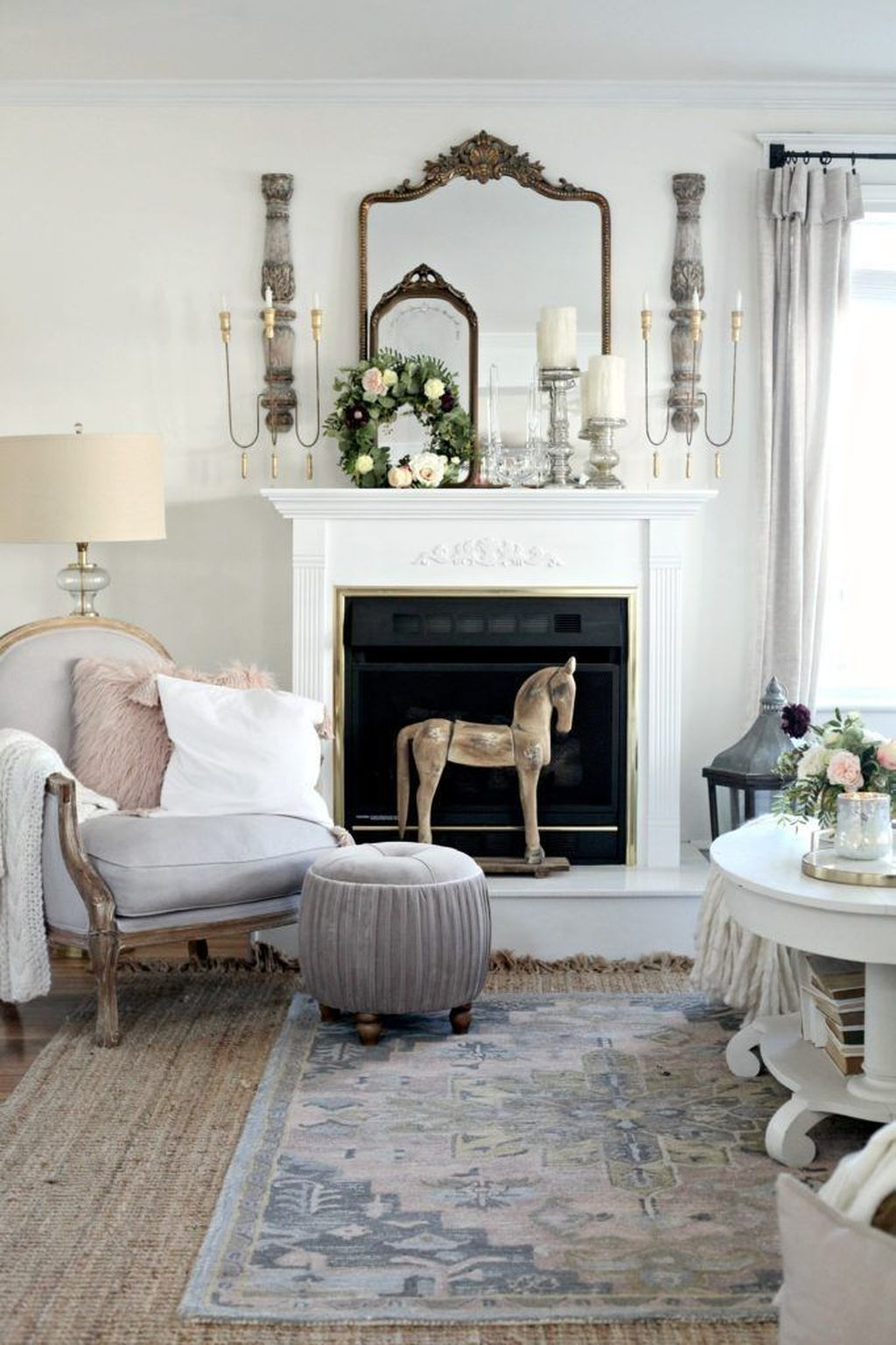 Fabulous Winter Living Room Decor Ideas 29