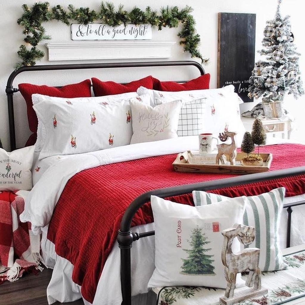 Gorgeous Master Bedroom Decor Ideas For Wintertime 21