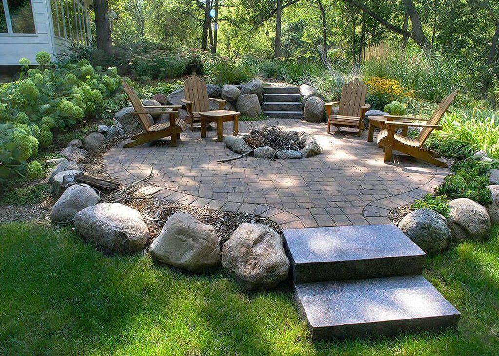 Inspiring Backyard Fire Pit Ideas 31