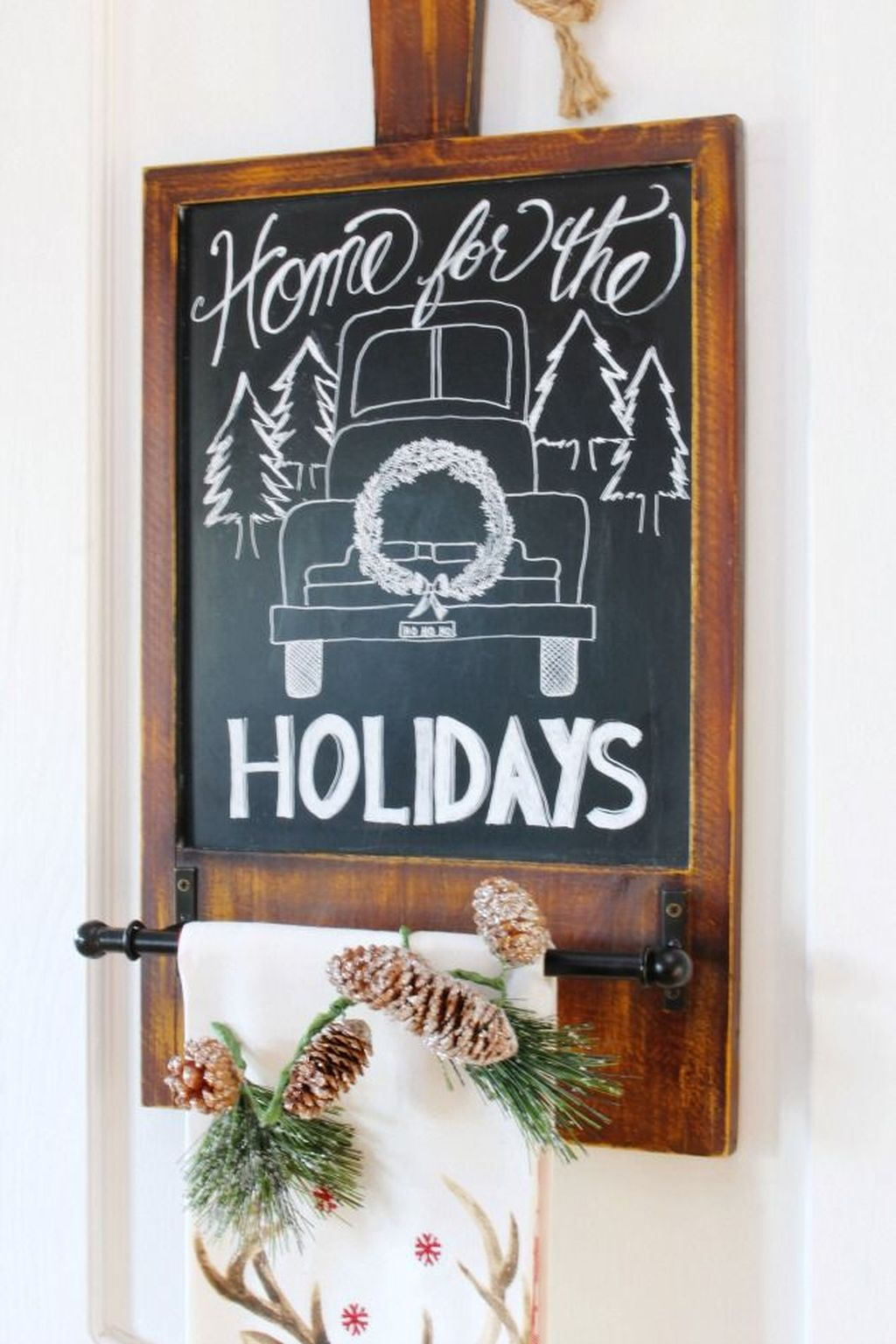 Inspiring Christmas Chalkboard Signs Design Ideas 08