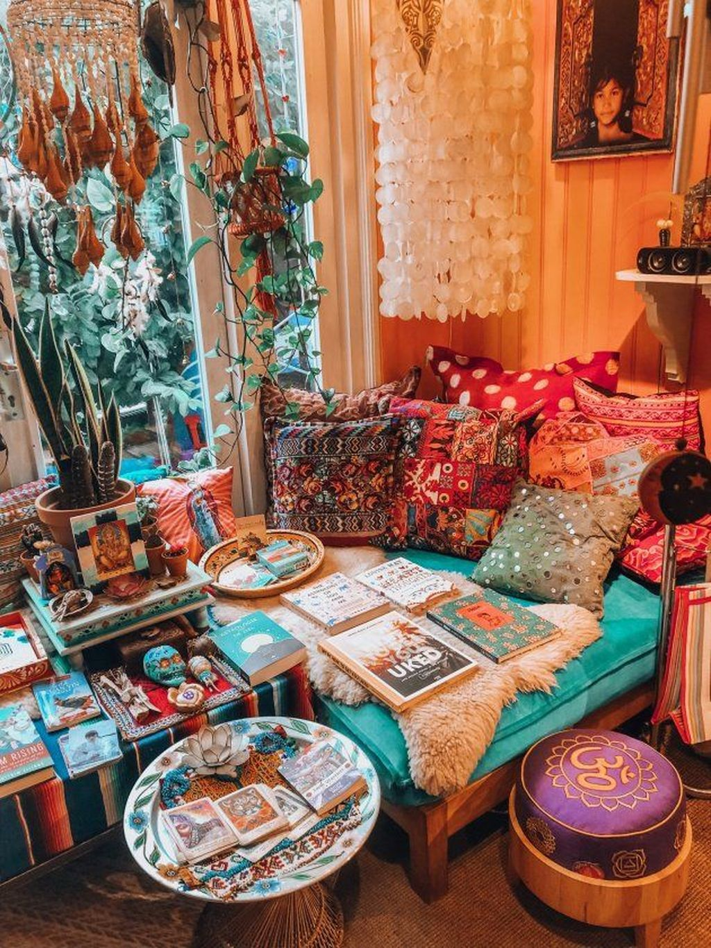 Lovely Bohemian Living Room Decor Ideas 23