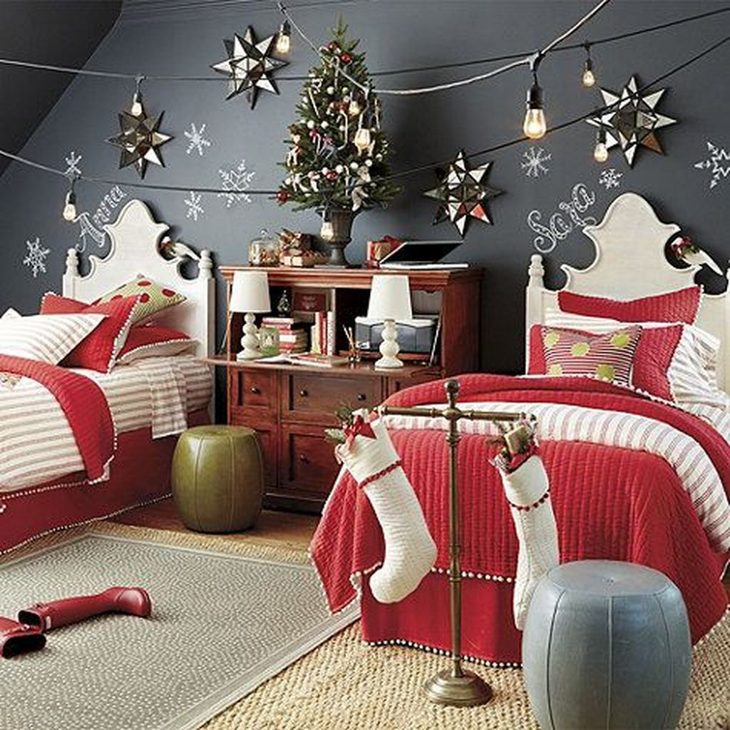 Lovely Christmas Kids Bedroom Decorations 09