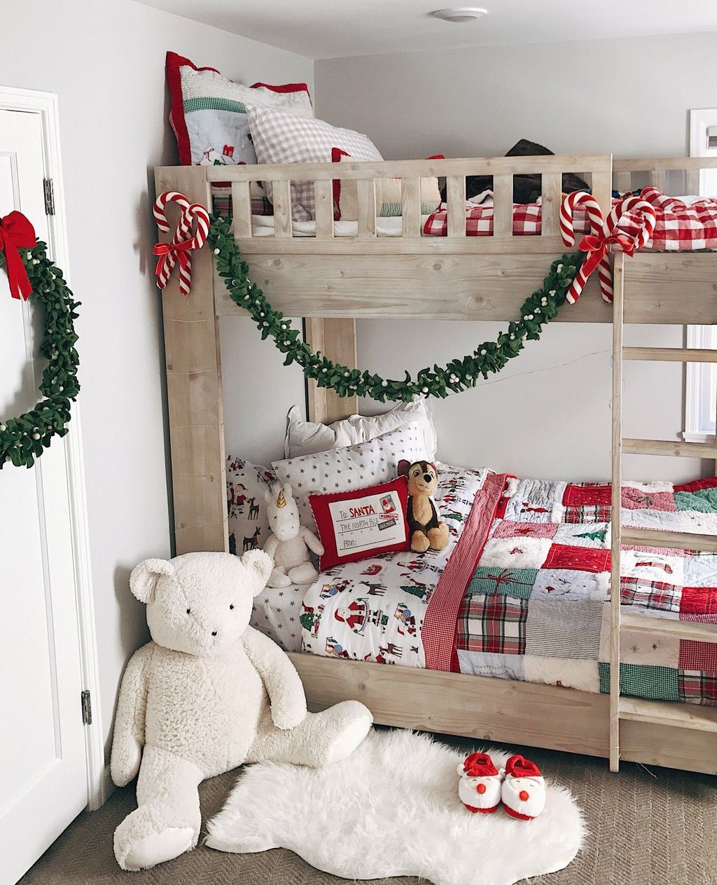 Lovely Christmas Kids Bedroom Decorations 17