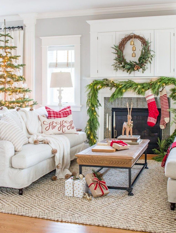 Lovely Christmas Living Room Decor Ideas 10