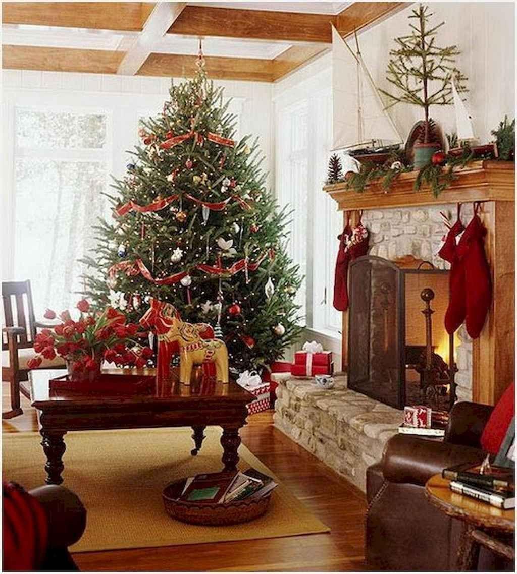 Lovely Christmas Living Room Decor Ideas 21