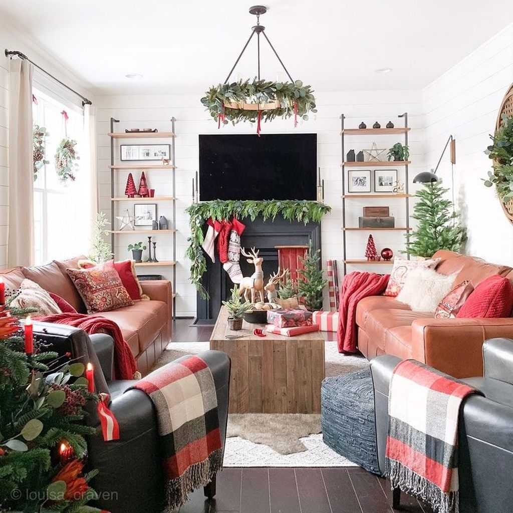Lovely Christmas Living Room Decor Ideas 29