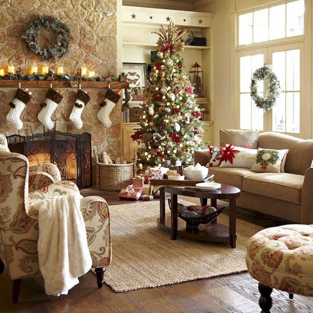 Lovely Christmas Living Room Decor Ideas 30