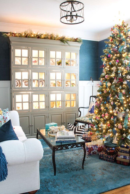Lovely Christmas Living Room Decor Ideas 35
