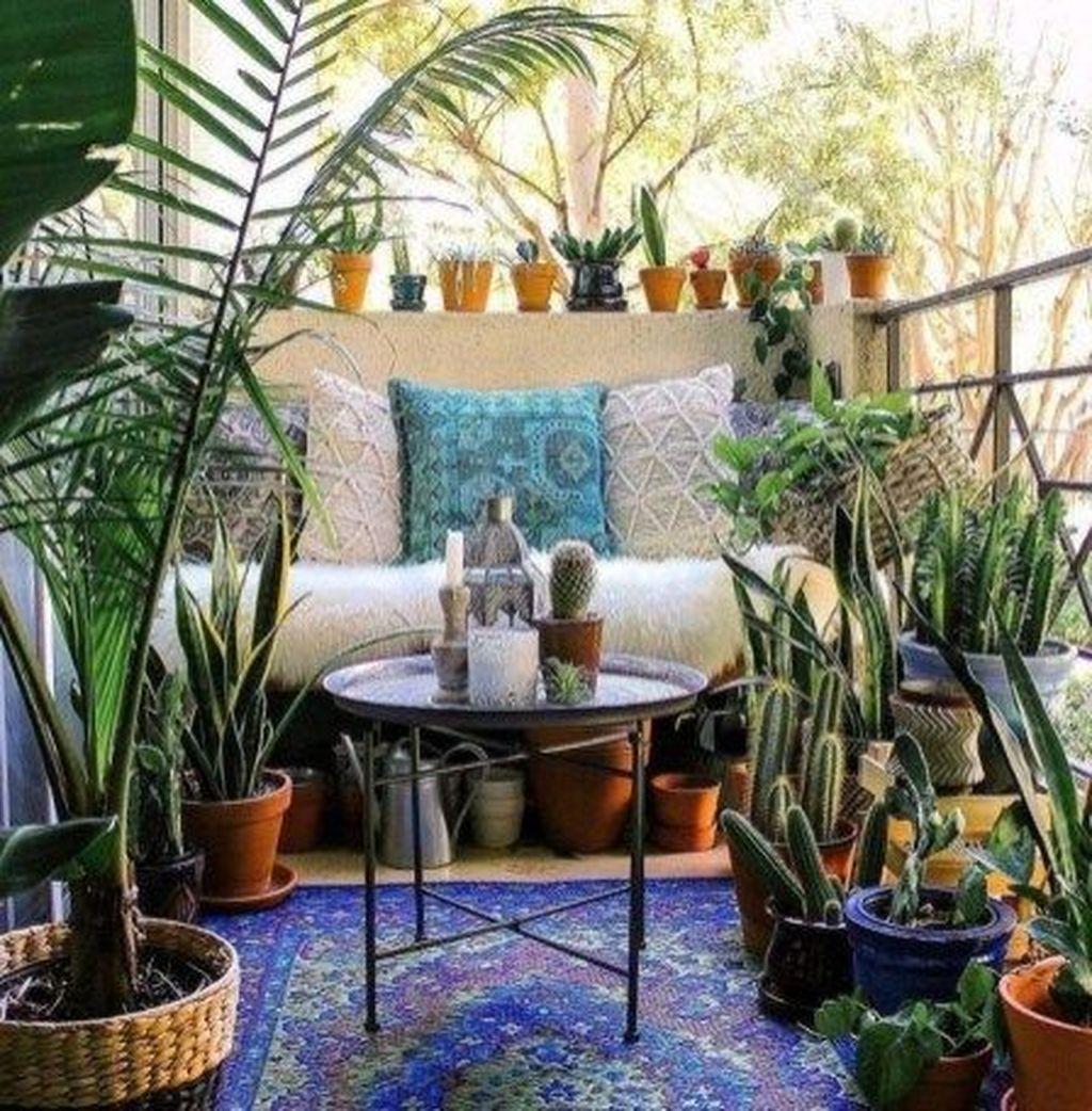 Lovely Small Apartment Balcony Design And Decor Ideas 01