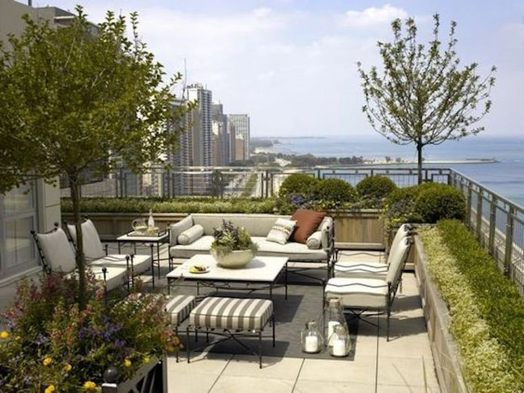 Nice Rooftop Terrace Design Ideas 03